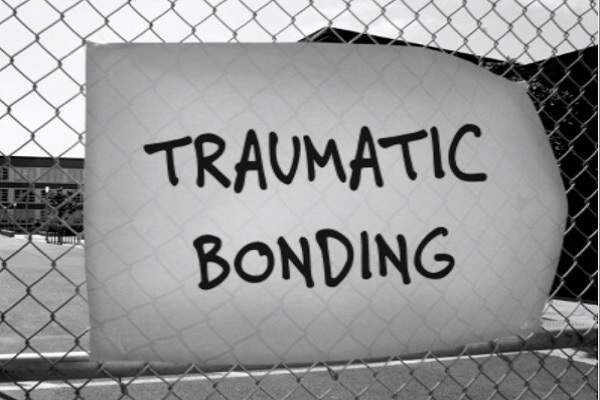 BPD Symptoms: Traumatic Bonding
